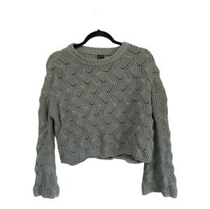Moon & Madison crop sweater size small